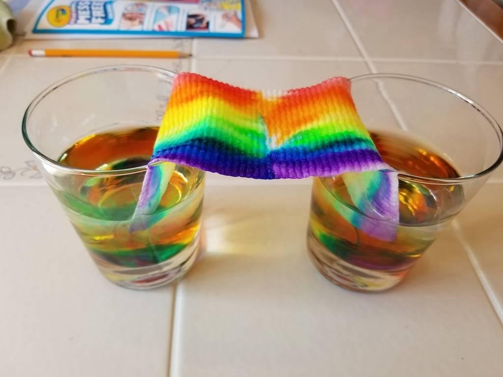 paper towel rainbow experiment